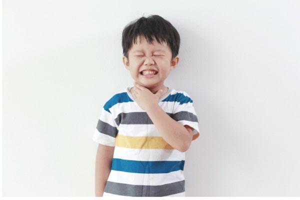 Cách trị ho, đau họng cho trẻ từ 3-12 tuổi - phauthuatkhuonmat.net